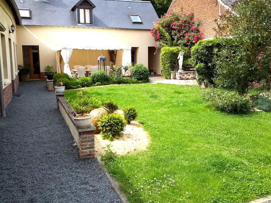 Petite maison dans la campagne - Mailly-Maillet