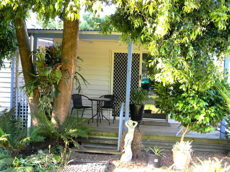 Forrest Accommodation - Queen Unit - Forrest - Bungalow