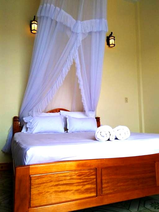 Room in House on the waterfront (free breakfast) - tp. Đồng Hới - Aamiaismajoitus