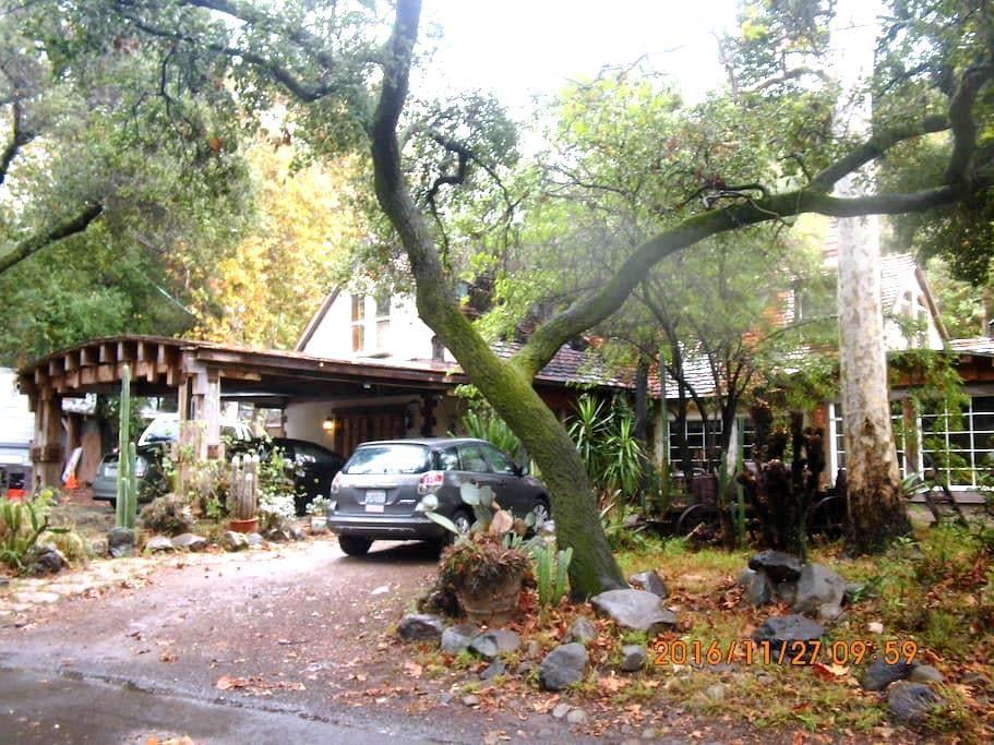 Quaint four bedroom home in rural Orange County - Silverado - Дом