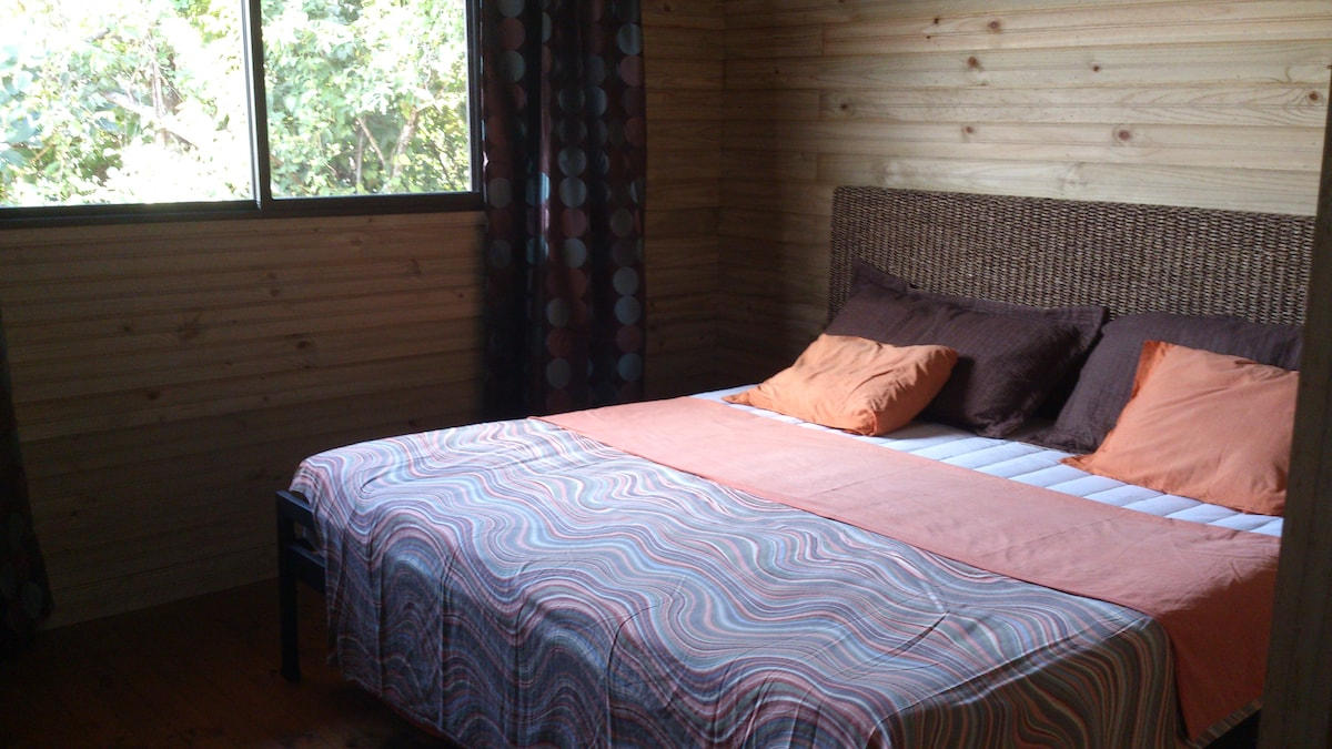 Main bedroom king size comfortable bed. Ortophedic matress (new)