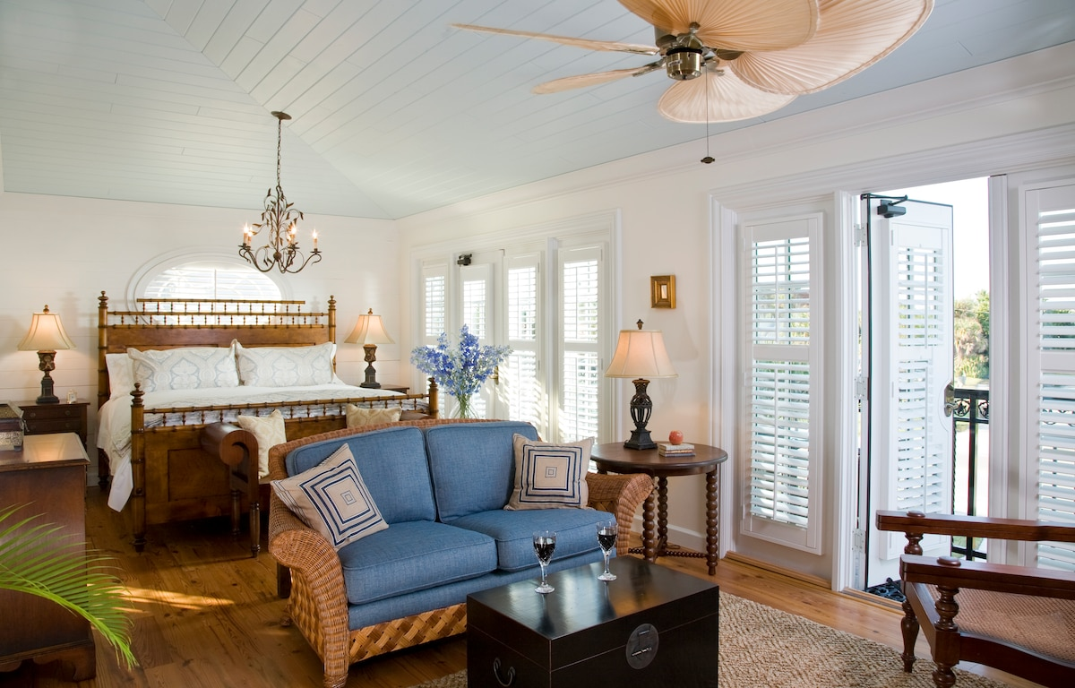 Charm and luxury with ocean view