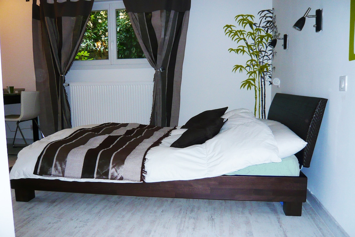 bed very confortable with Orthopaedic mattress