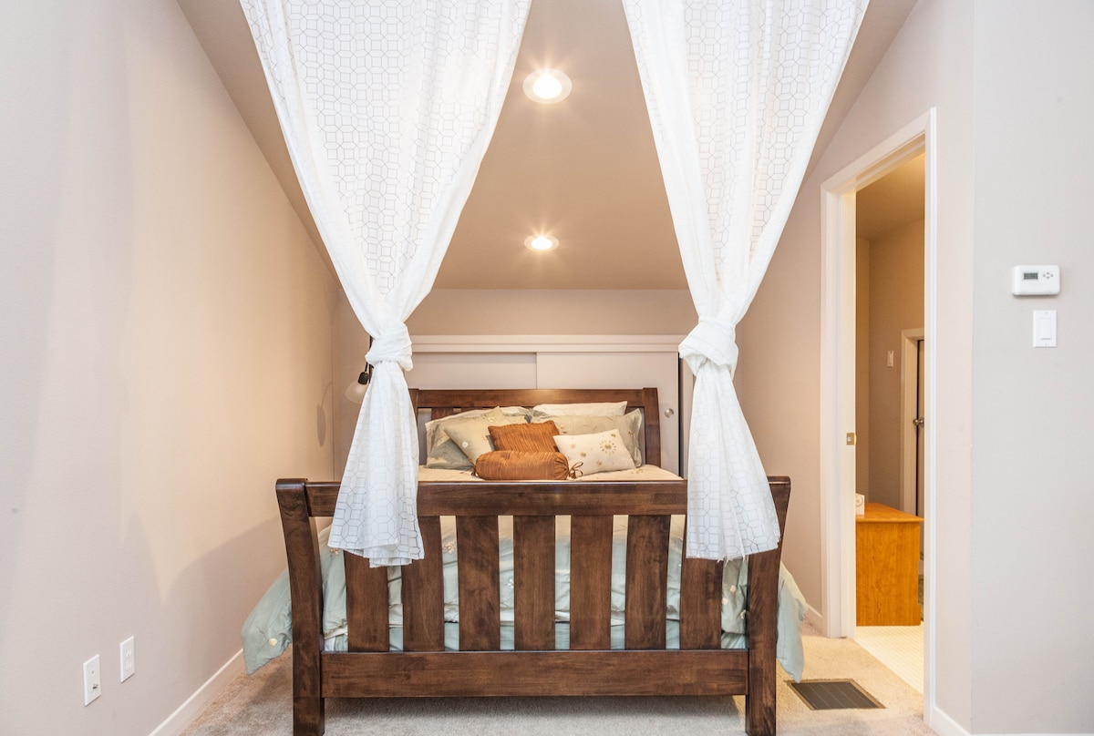 Sleep soundly on a real queen sized bed with pillow top mattress.