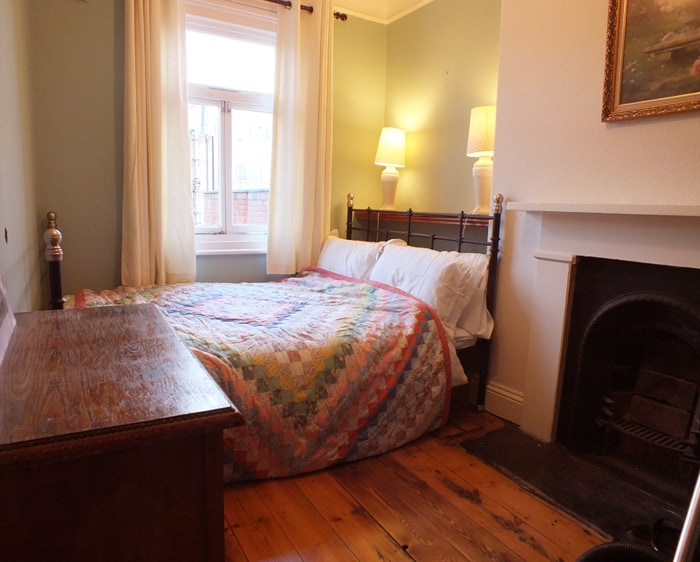 cosy room, lively York city centre