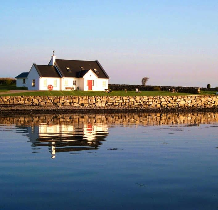 Cottage on Galway Bay B&B  Kinvara - Galway - Bed & Breakfast