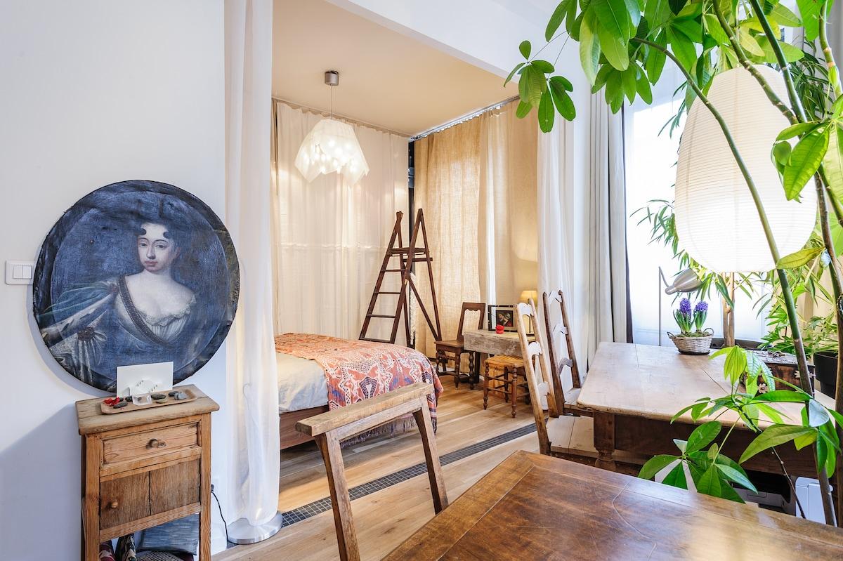 """""""De charme"""" suite in Vieux Lyon"""
