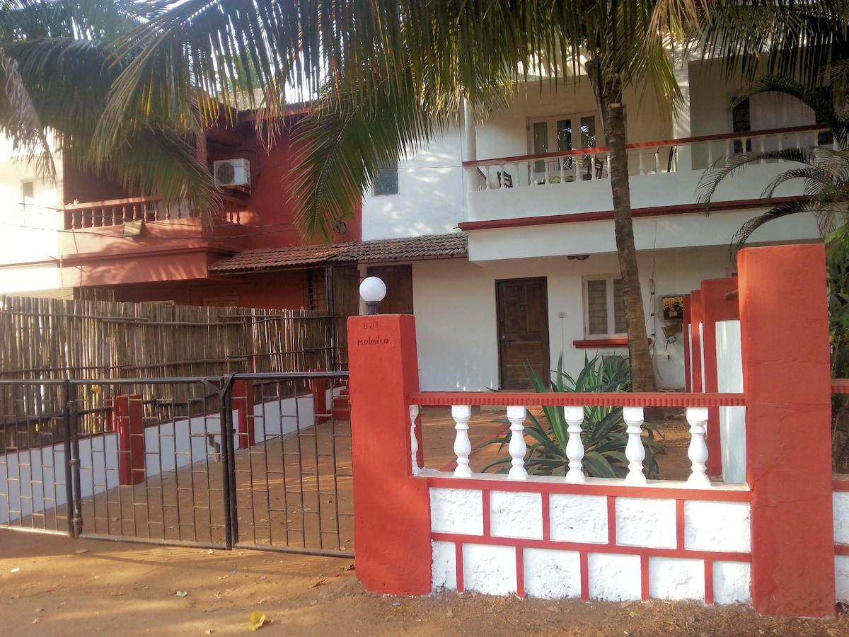 The villa is in the heart of Candolim with Times Award winning restaurants within eyesight