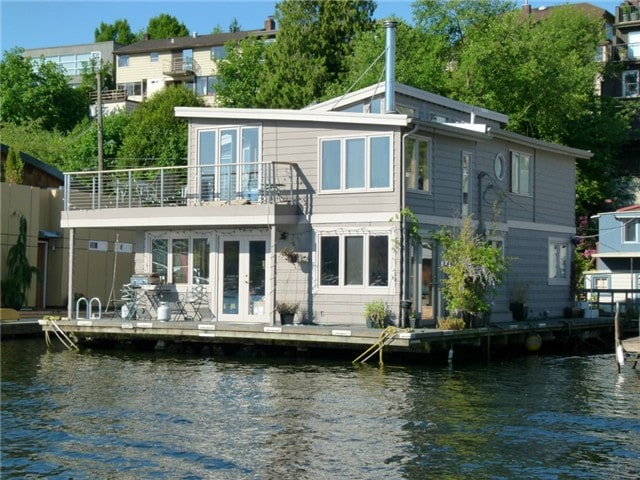 Experience a floating home!