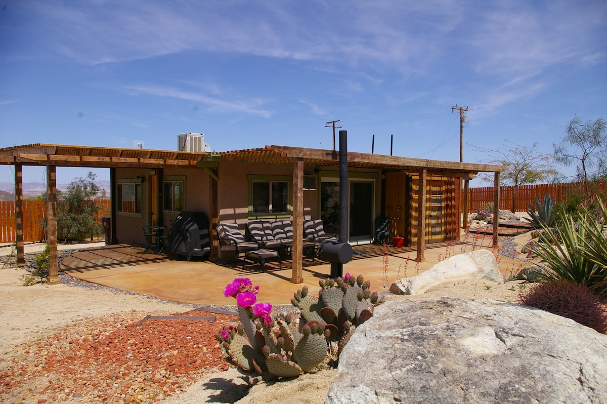 grounds i united rent in cabin im for cactus joshua center the resort tree california states flower cabins hi cottages space