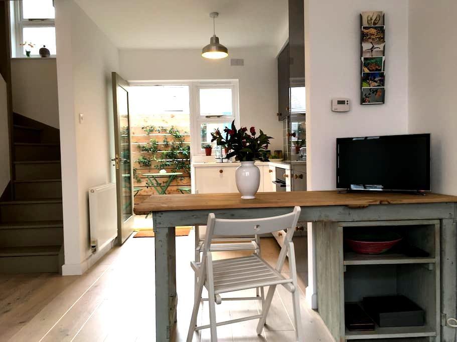 Contemporary Cottage - Tenby - Tenby - Sorház