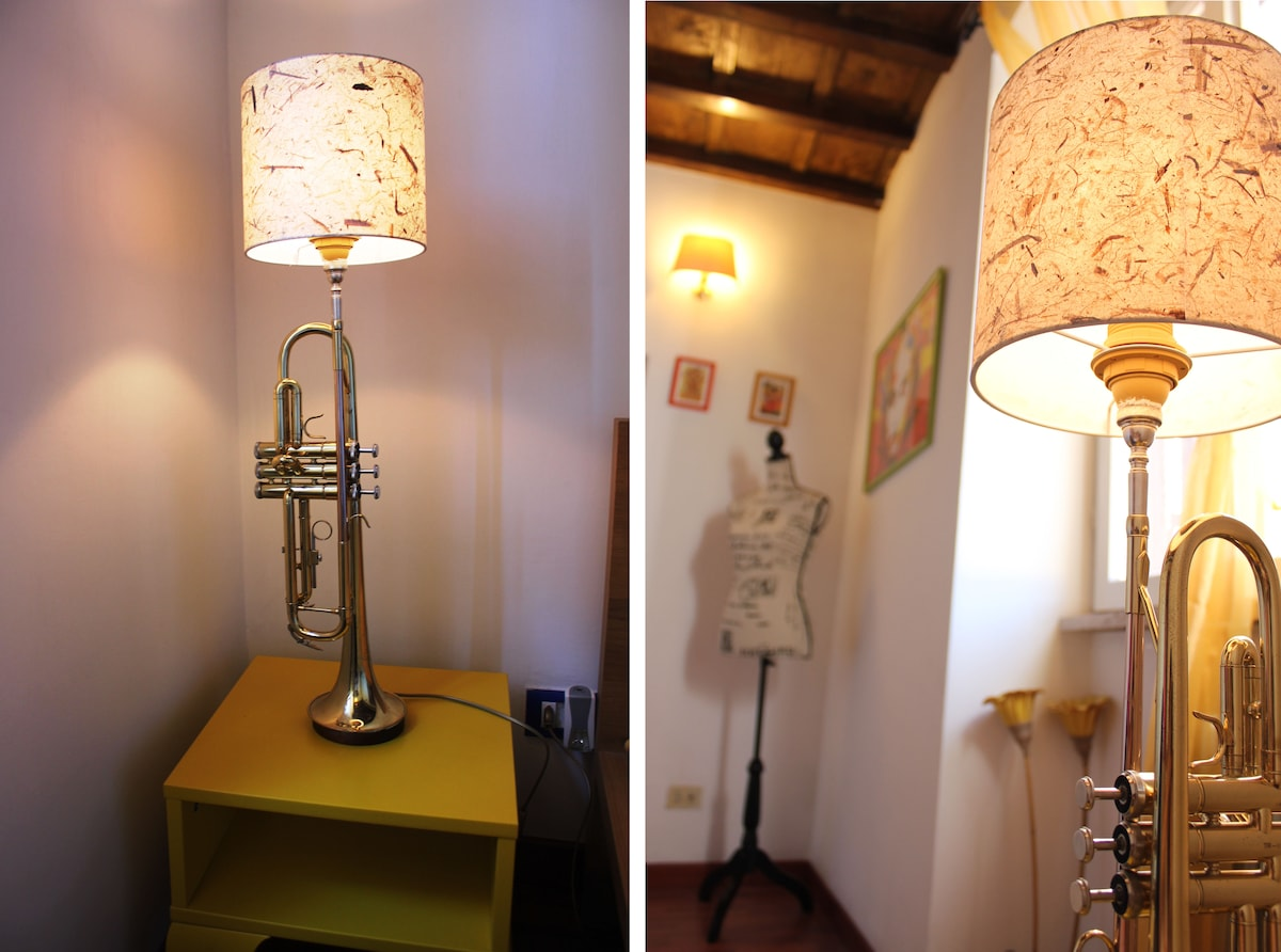 A hand-made trumpet-lamp! Made by my boyfriend.