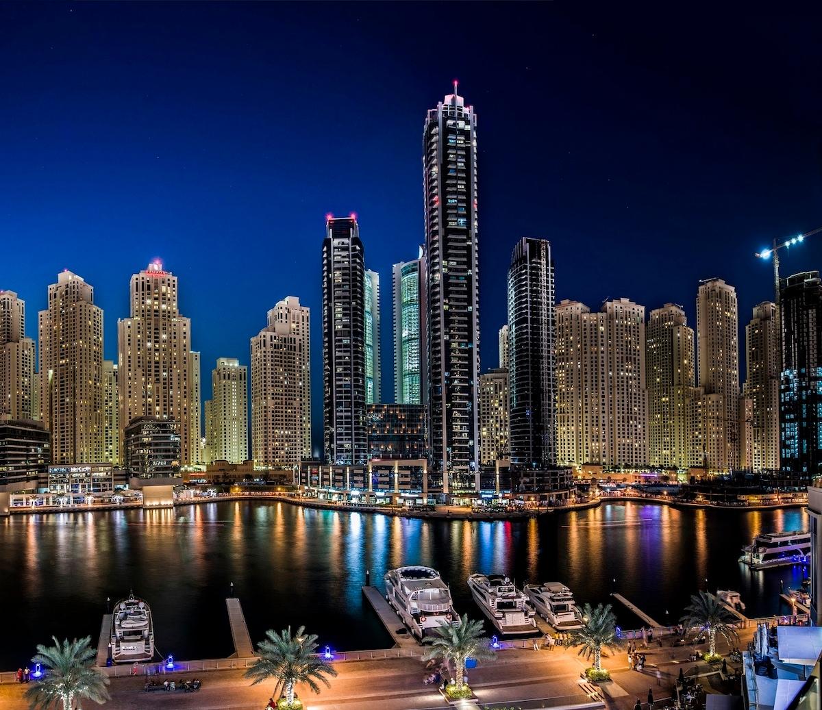 A view of the stunning Dubai Marina at night