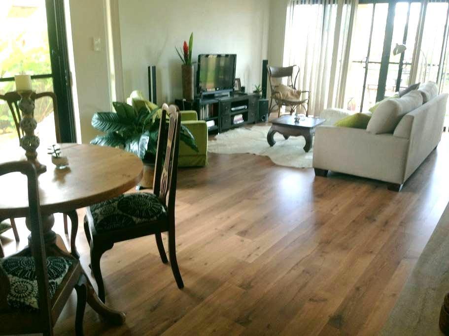 Three bedroom Garden Apartment  - Ettalong Beach - Daire