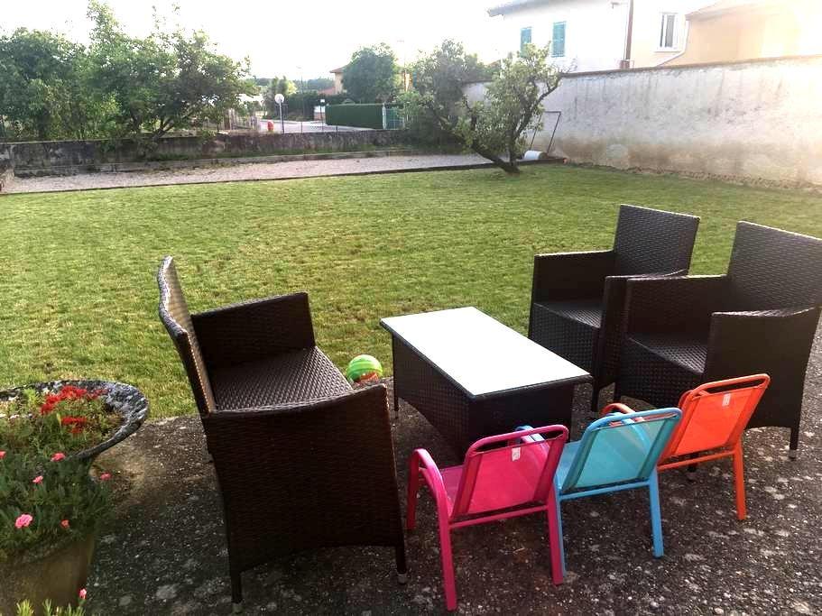 Appart au calme entre Vienne 15min et Lyon 30min - Luzinay - Apartemen