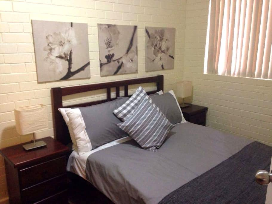 Caro's Place Perfectly Located - Fremantle - Byt