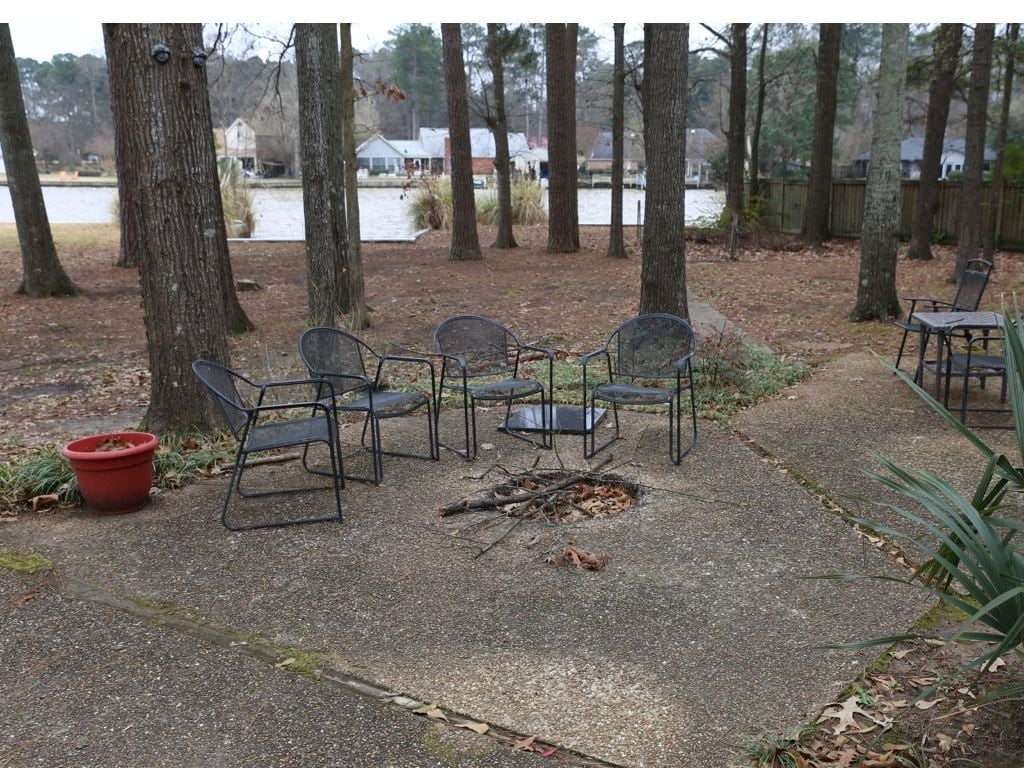 Fire pit. Plenty of chairs.