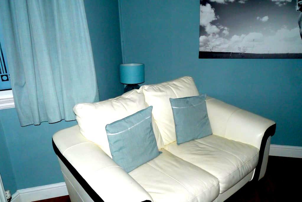 Smart double bedded big bedroom - Birmingham