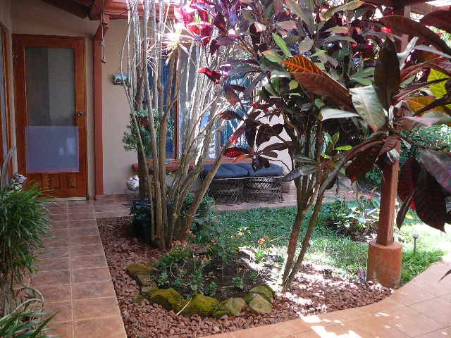 Casita w/bath & private entrance