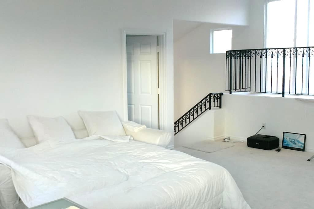 Great private Space at the beach!! - Marina del Rey - House
