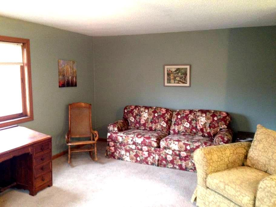 Great space for groups or families - Gorham