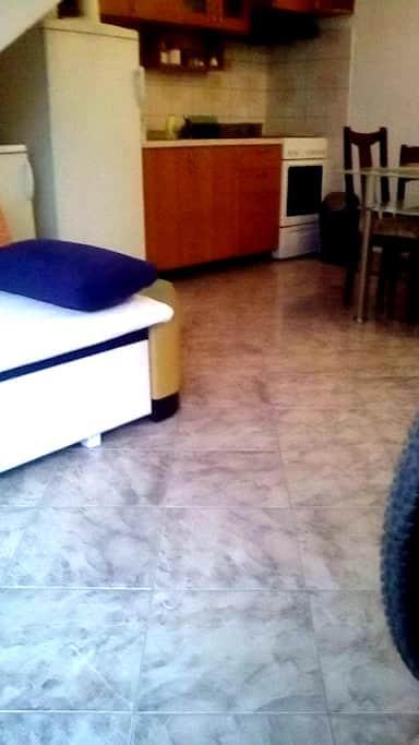 Apartman Mare - Kaštel Novi - Pis
