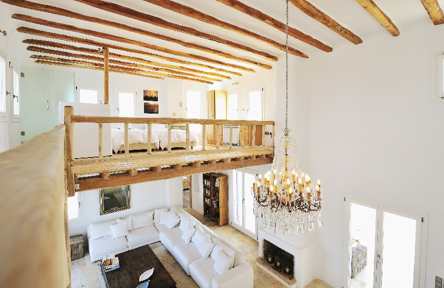 Loft with access to terrace and views all round