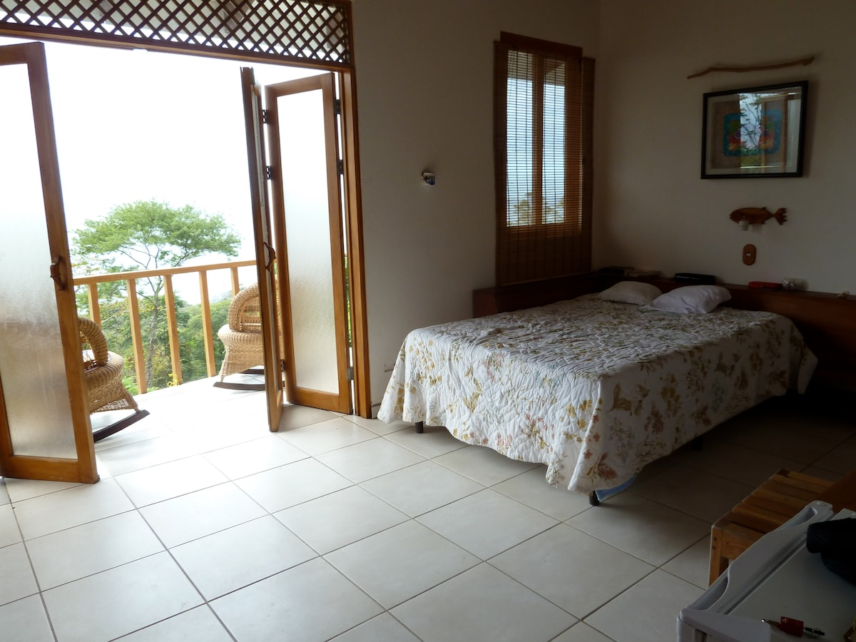 Master Room nr 5 with ocean view!
