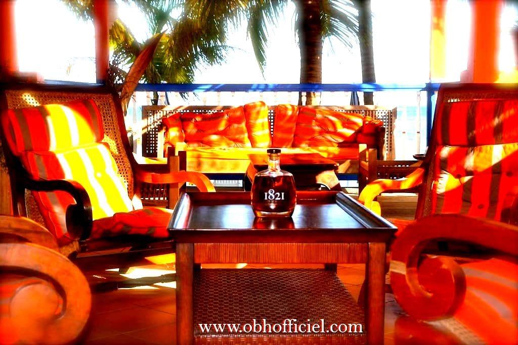Oüaliri Beach - GP - ที่พักพร้อมอาหารเช้า