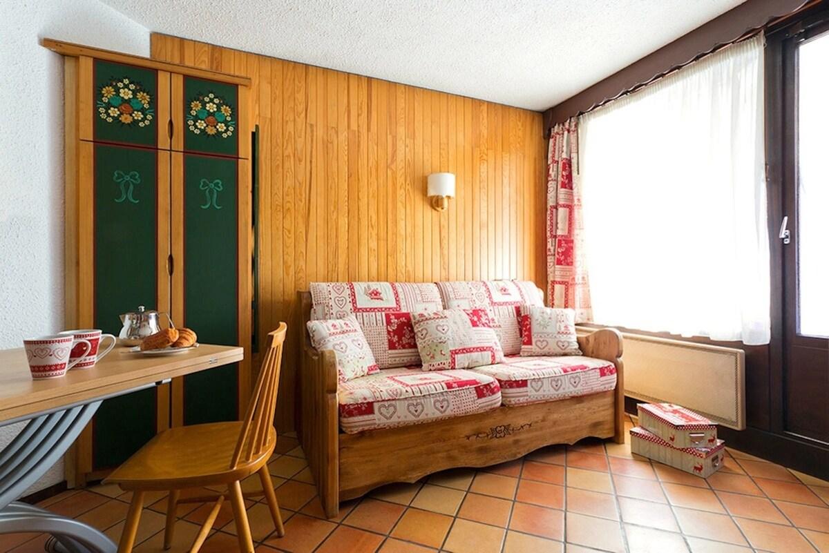 Le canapé (bed express) très confortable. A votre arrivée vous trouverez vos lits faits et le linge de toilette (inclus dans le tarif)
