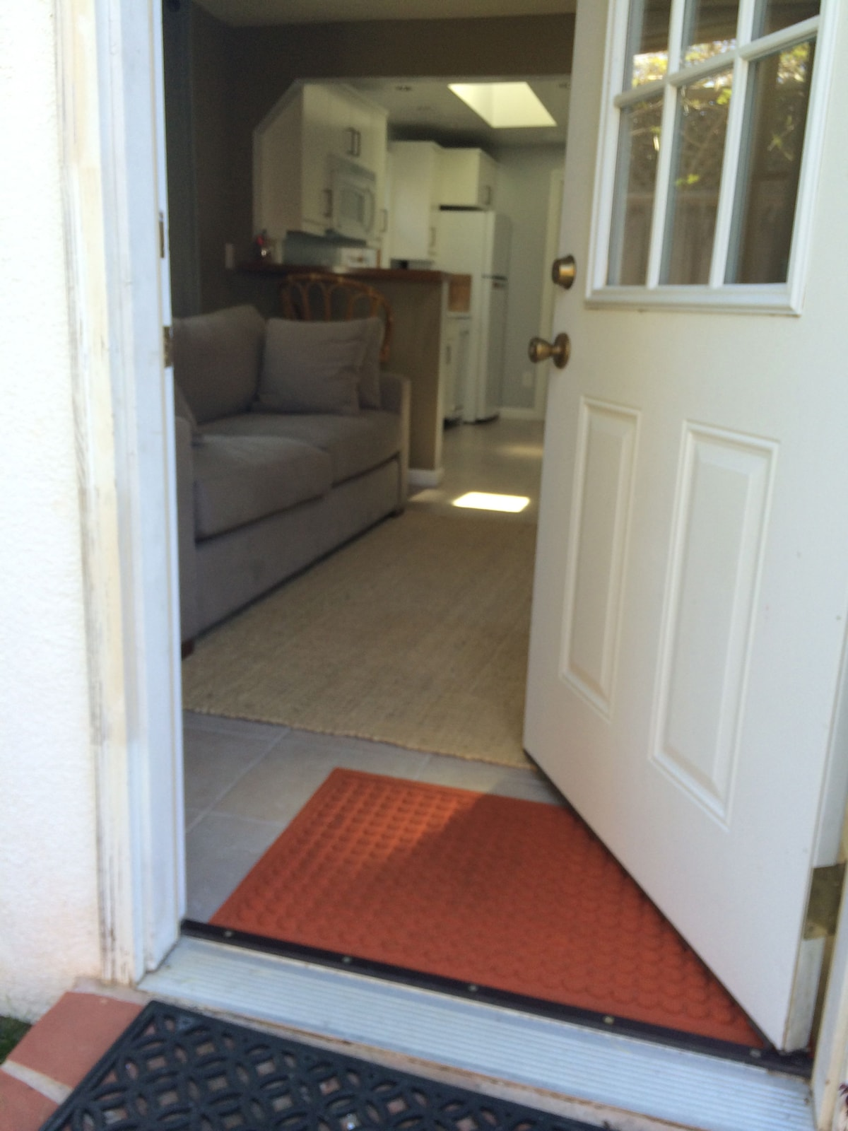 Sweet & Spacious 1 BR Guest Cottage