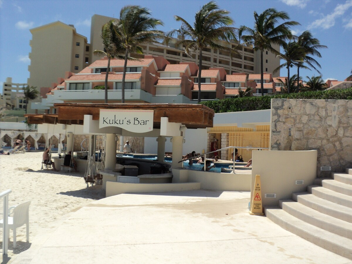 Beautiful Beach Front Villa