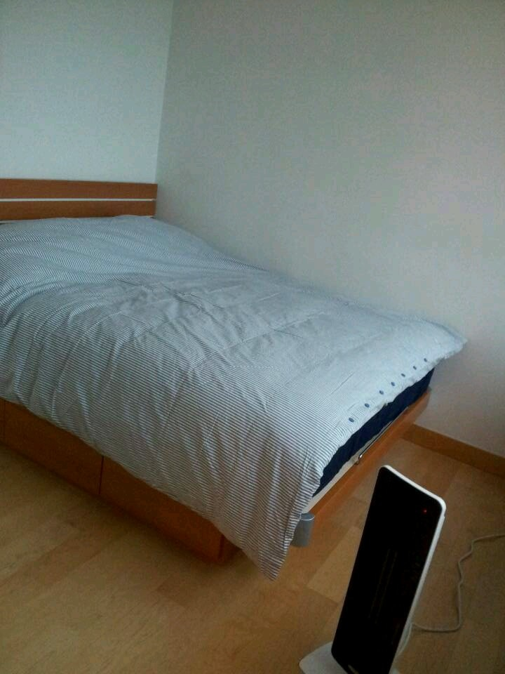 Brand New Queen size bed with Simmons Mattress (New U.S.)