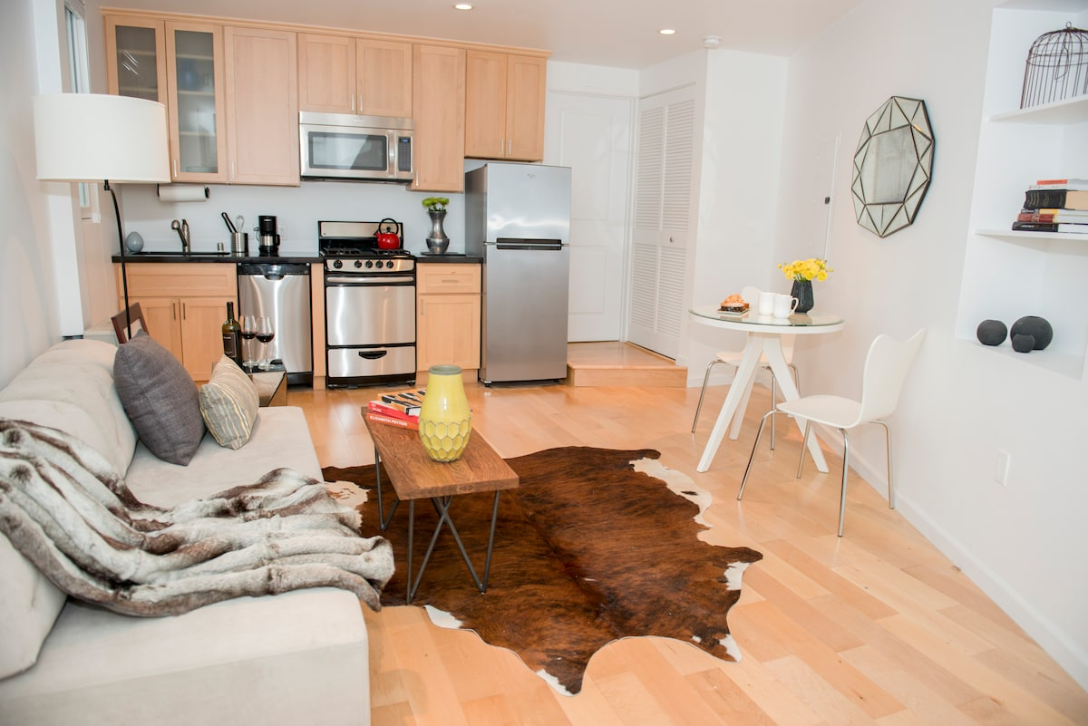 NEW/MODERN 1-Bedroom+Parking Avail