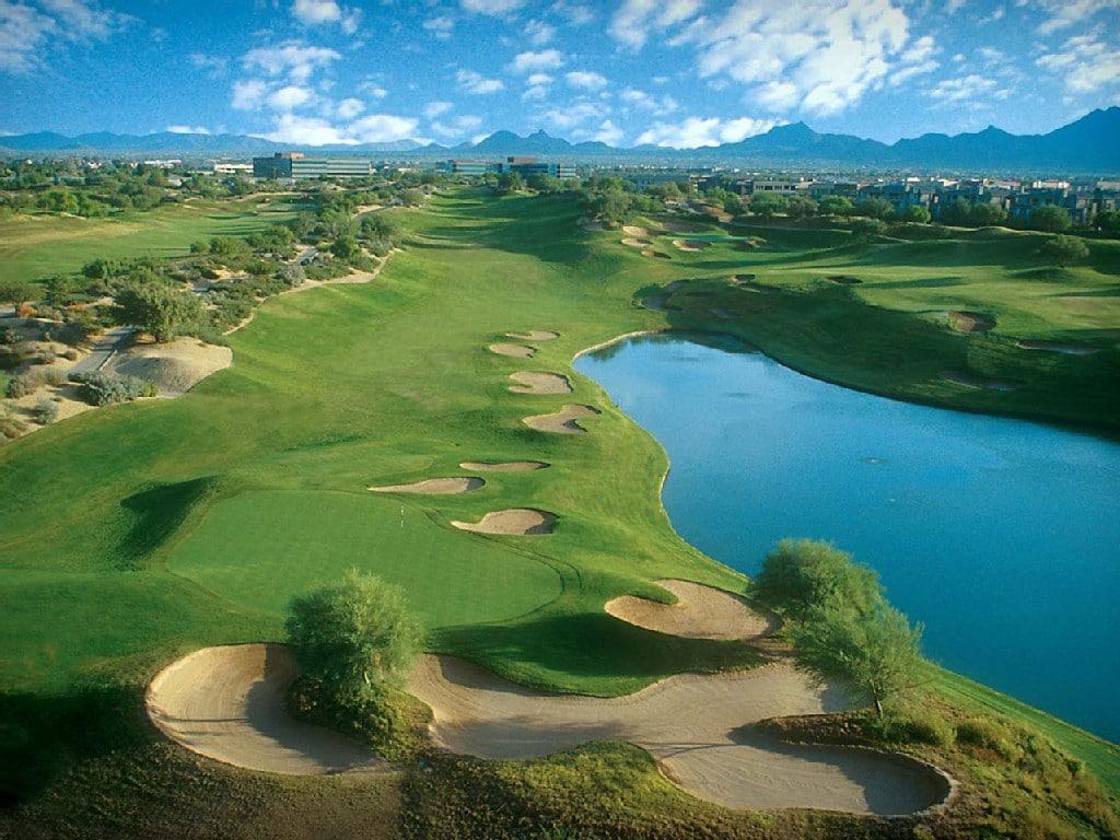 Kierland golf course is just a short stroll away