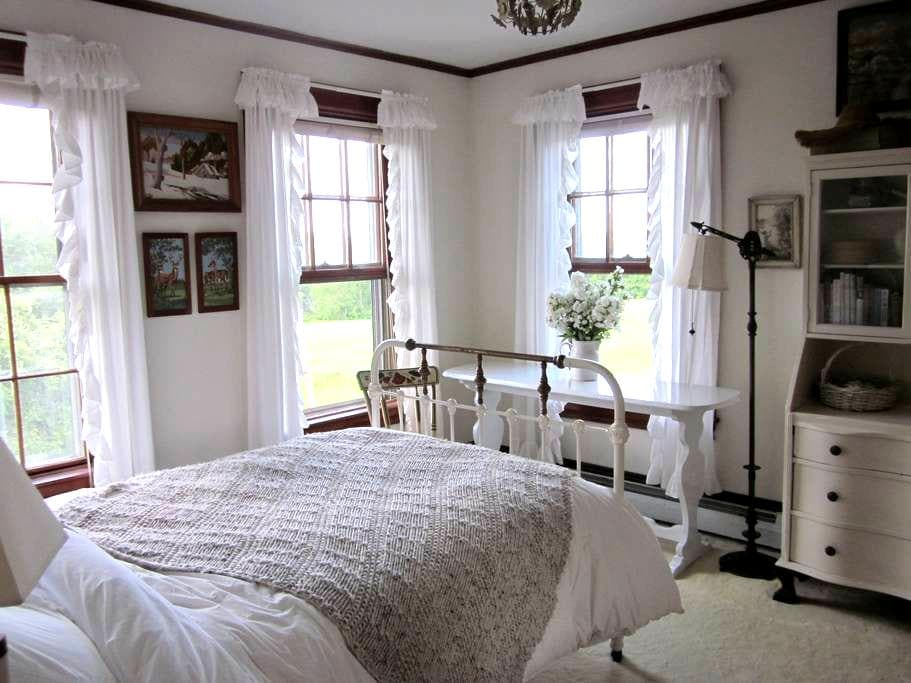 Lovely room at Long View Farm - New Braintree - Rumah