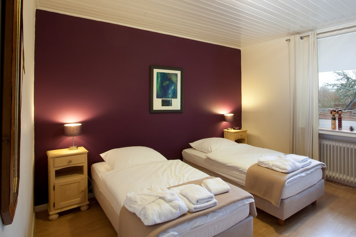 Zimmer 1, das lila Zimmer