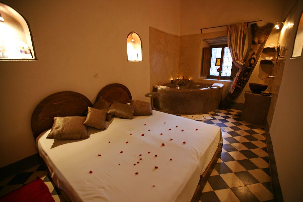 Douiria O²  Bedroom 1