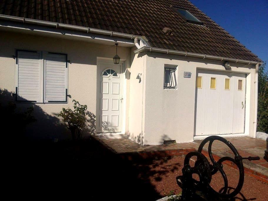 La maison du confort - Chécy - House