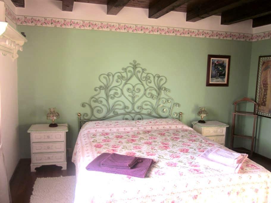 Charming b&b on Lake Garda hills - 托里德尔贝纳科 (Torri del Benaco) - 住宿加早餐