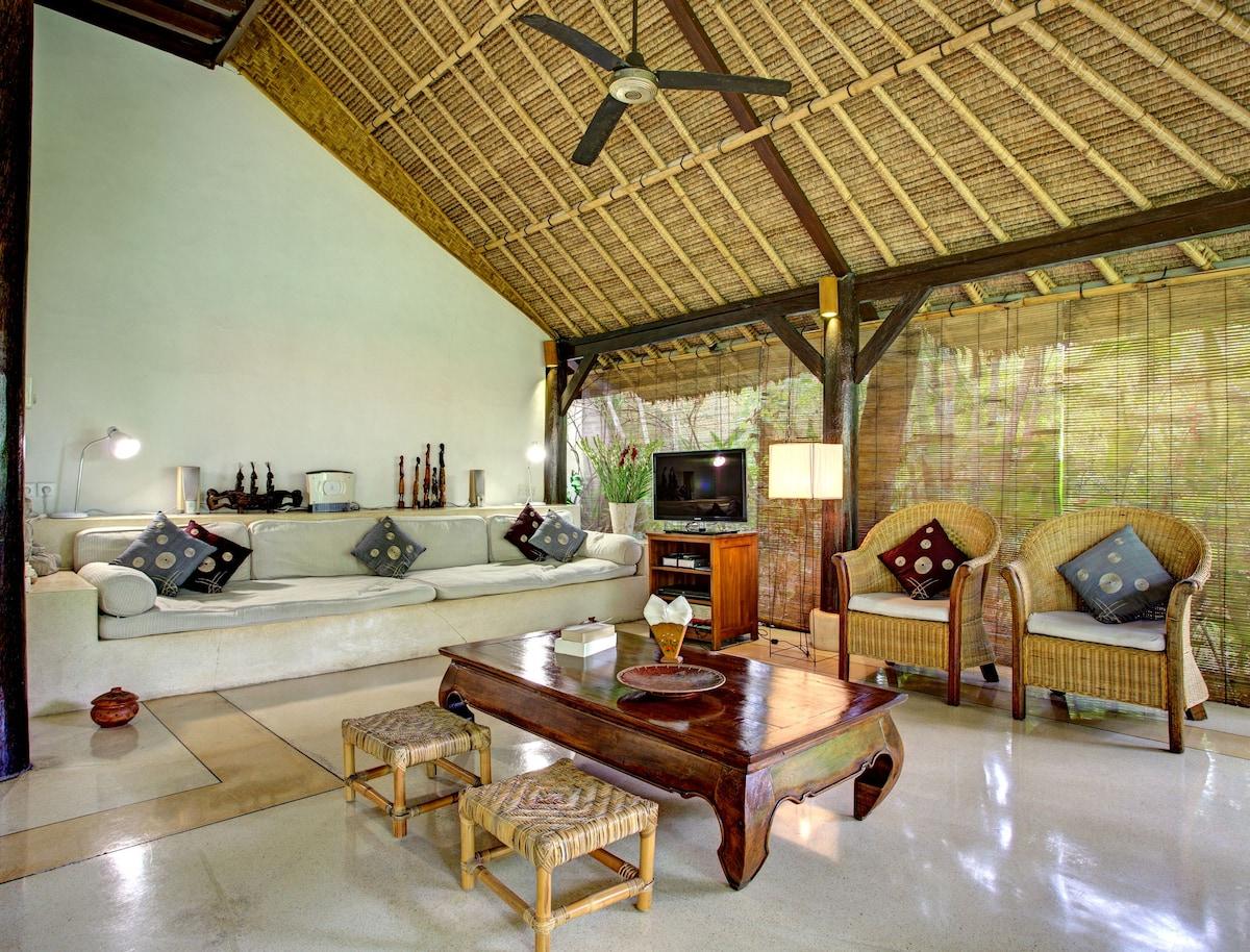 Living main villa