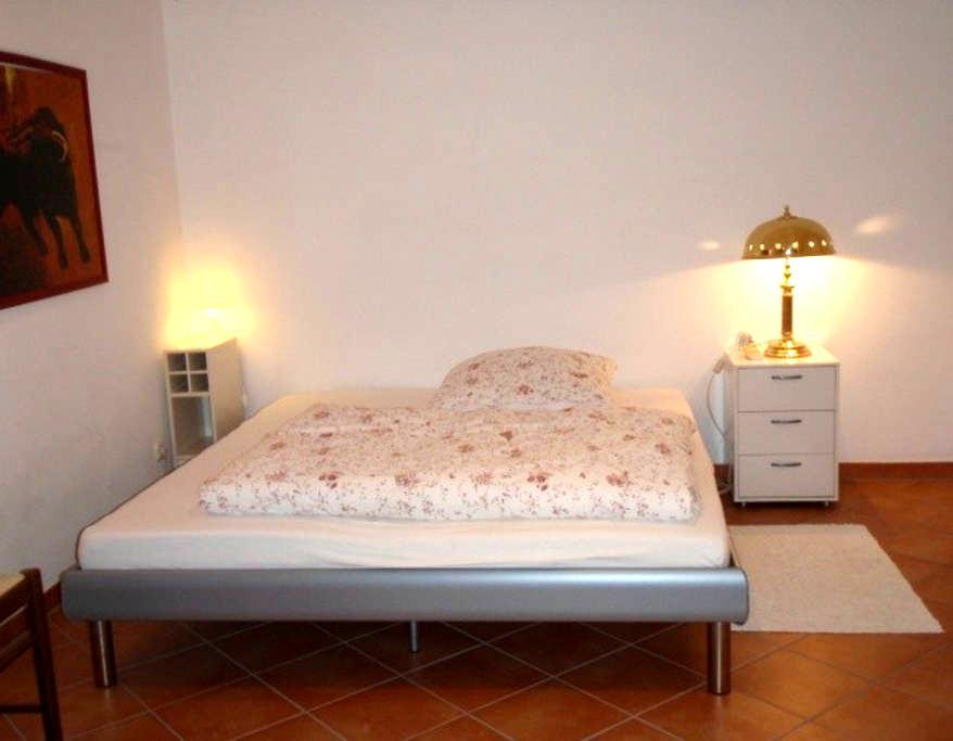 Cosy and quiet room with shower - Vaterstetten - Casa