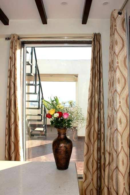 Room in panthouse with terrace 5 mn from center - Jaipur - Apartamento