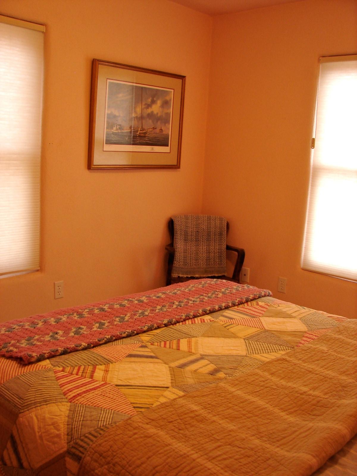 Sweet, cozy, 1 bedroom apartment