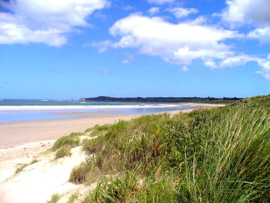 Holiday at a beach apartment in a private setting - Cape Paterson - Leilighet