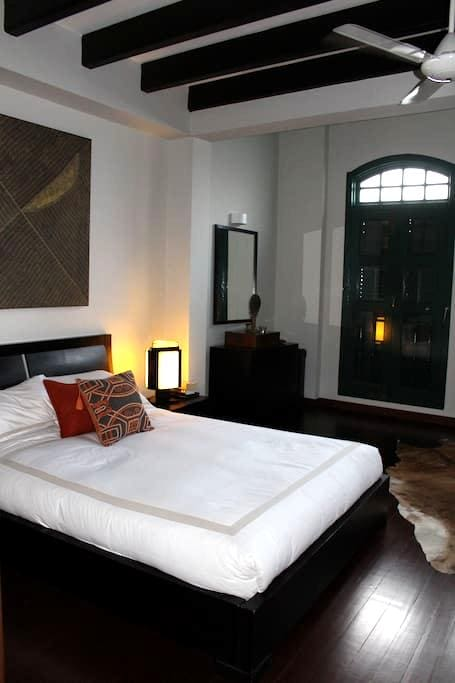 Delightful room in colonial house - Singapore - Hus
