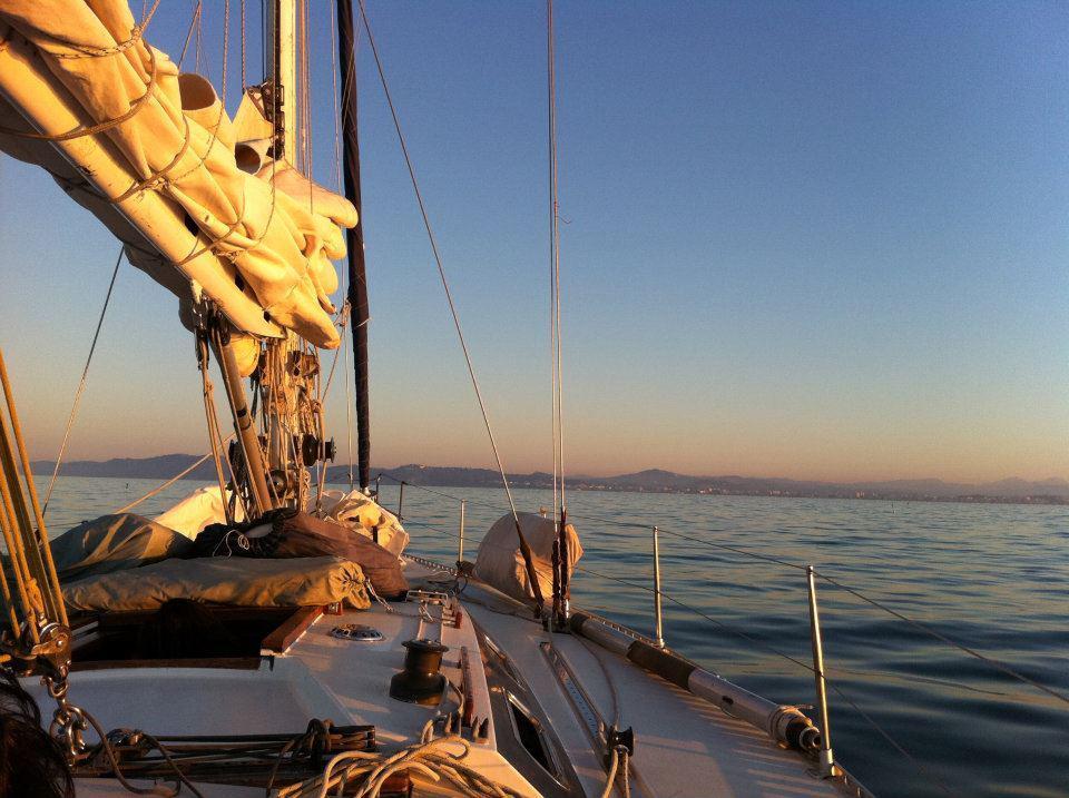 Sailing Houseboat Marina Cattolica