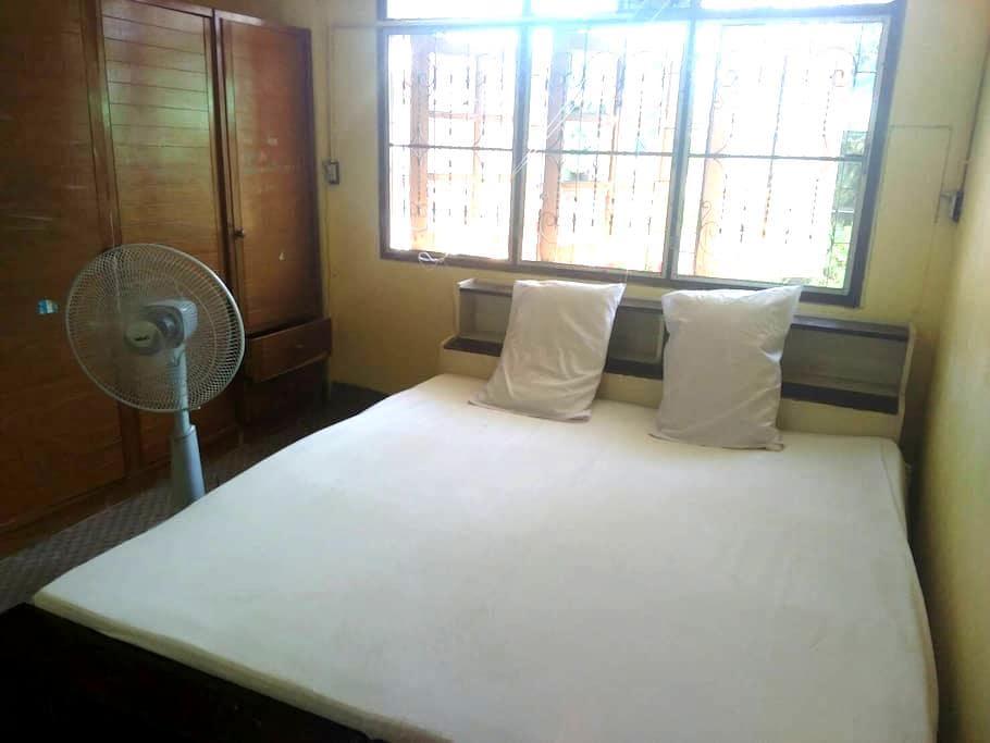 Local Thai living- Big bed, private entrance - Tambon Pak Chong - Hus