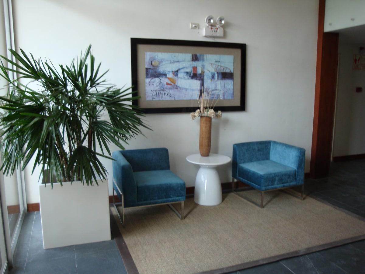 Mini Apartamento Entero: SALA + KITCHENETTE + 1 BAÑO + 1 DORM. (cama 2 plazas)