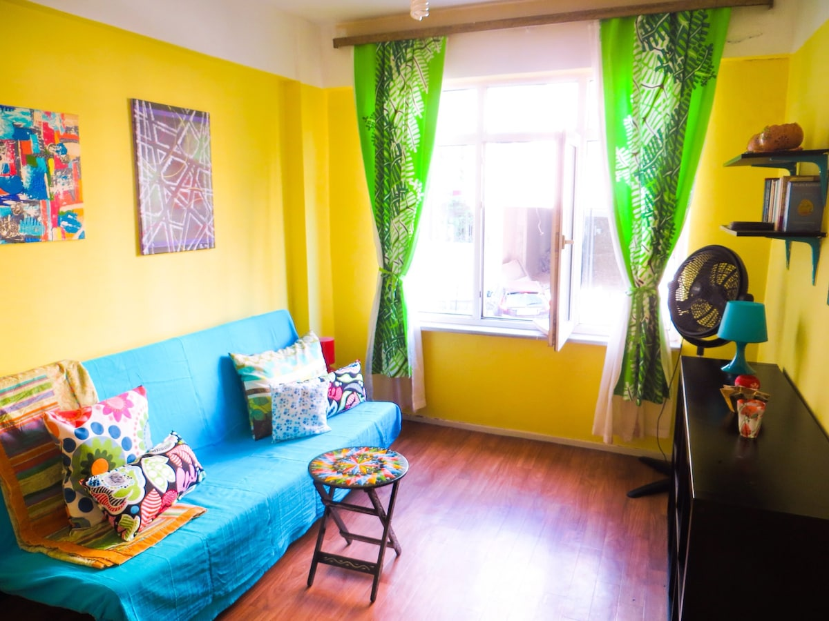 This is the room for rent. I just gave it a makeover in April 2014. Hope you enjoy the summery feel!